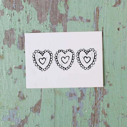 Kultamurunen Mustavalkoiset sydämet -pakettikortti